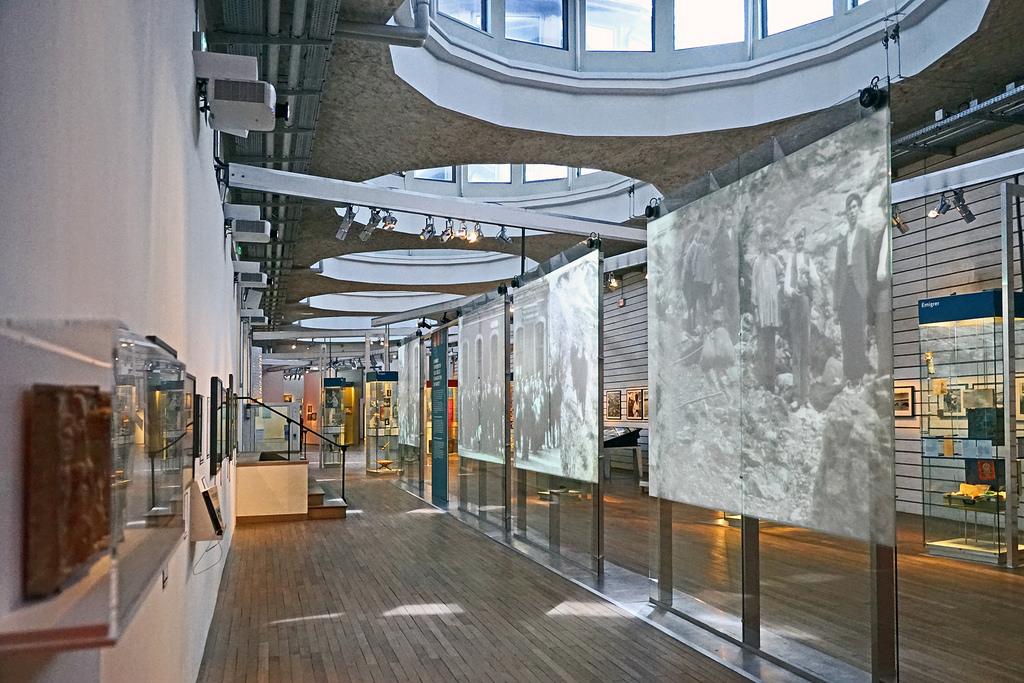 Mus e de l 39 histoire de l 39 immigration triplancar - L histoire de l architecture ...