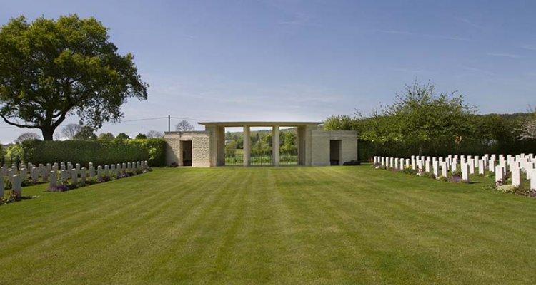 Le cimetière militaire de Saint Charles de Percy, Pays de Vire, Calvados, Normandie