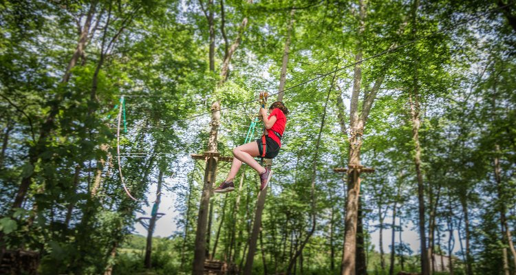 Tyrolienne dans les arbres, Jumping Forest