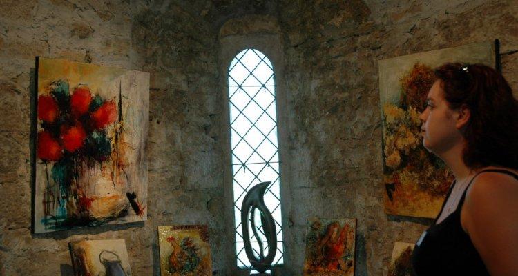 Espace exposition à la tour médiévale