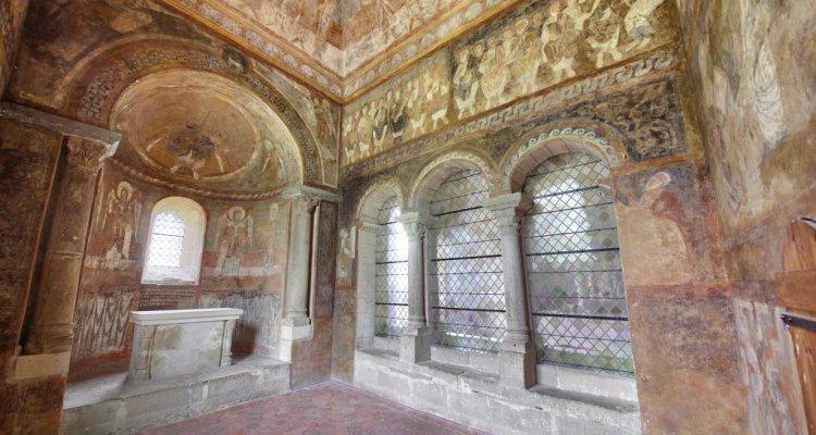 Abbatiale de Saint Chef - Chapelle et Fresques