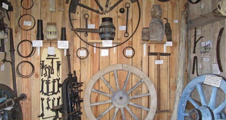 Tourisme groupe musée paysan d'emile