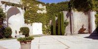 Campredon centre d'art, le jardin avec sa fontaine.