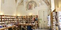 La librairie du mahJ se déploie dans l'ancienne salle à manger décorée de resques du XVUIIe siècle