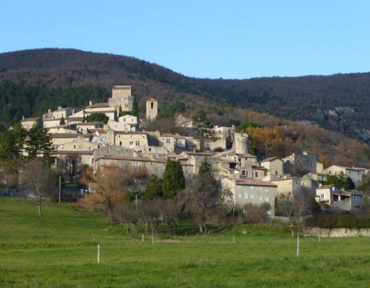 Poët-Laval (Le) : vieux village, première étape du chemin des Huguenots.