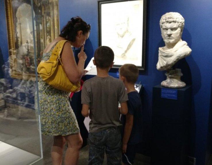 Chasse aux trésors en famille et entre Amis à Mougins (village et Musée d'Art Classique de Mougins)