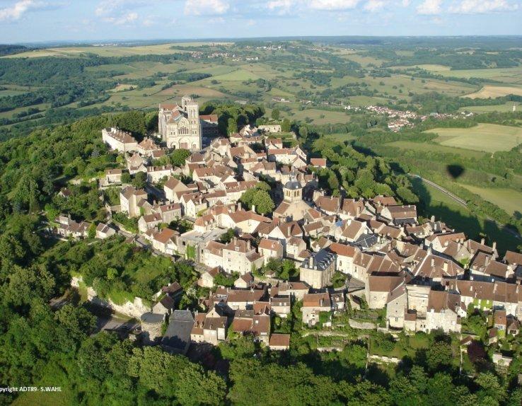 Vue aérienne de Vézelay