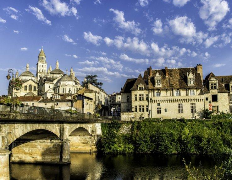 Vue de Périgueux depuis la rivière Isle. Crédit JB Dalleau.