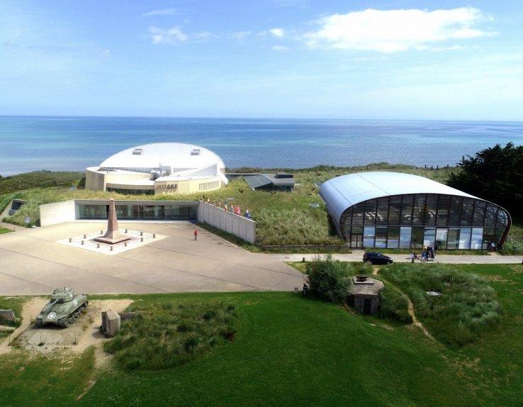 Sur plus de 3000m², le Musée du Débarquement de Utah Beach surplombe la célèbre plage. ©SoDirect