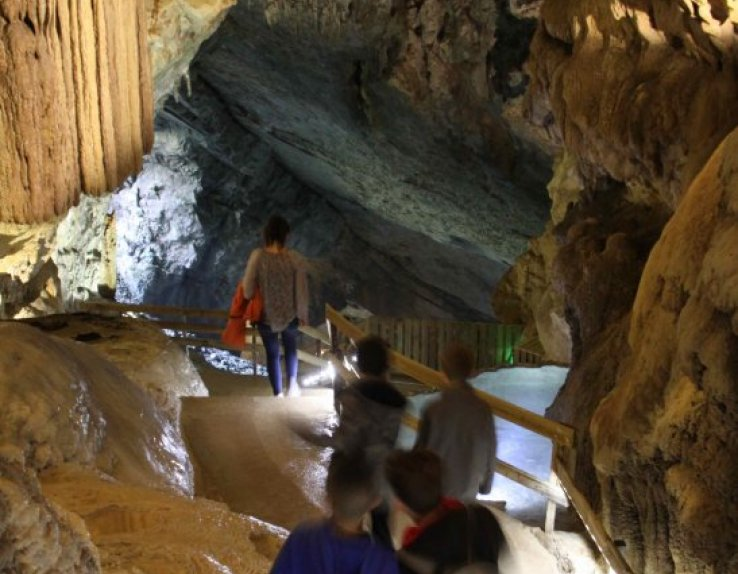 Grande salle grotte du Cerdon