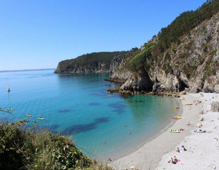 célèbre plage de l'Île Vierge à quelques coups de pagaie du CNCM