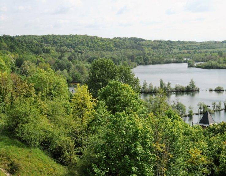 Vue panoramique sur les étangs de la Barette à Corbie